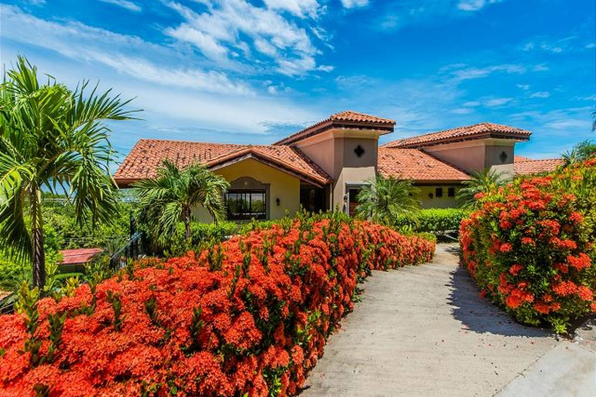 Krain Concierges Villa de las Olas