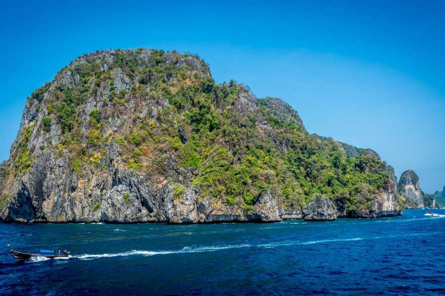 TourRJ.com Angra dos Reis Island Exploration Cruise