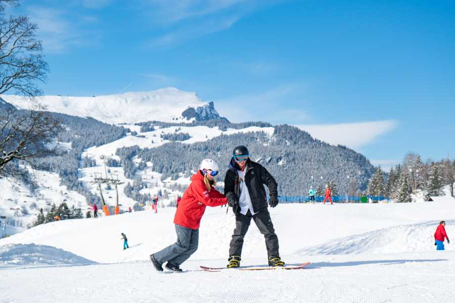 Outdoor Interlaken AG 单板滑雪初学者一日体验包(1 day beginner snowboard package)