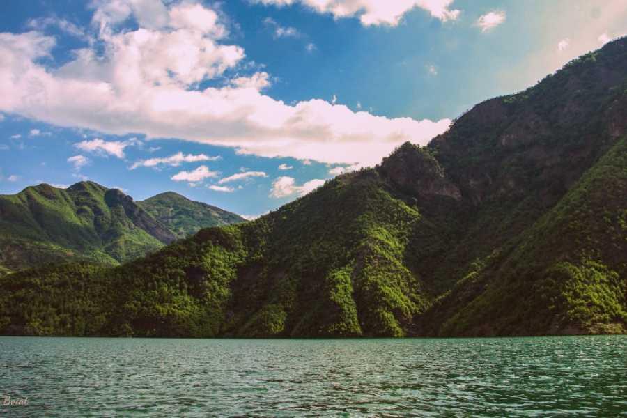 JONA TRAVEL DMC - LUFTHANSA CITY CENTER Komani Lake