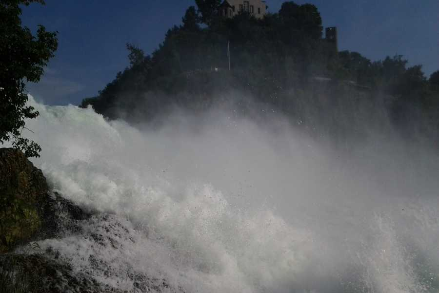 SwissTravelGuide Rhine Falls Schaffhausen with Boat Tour to the Rock