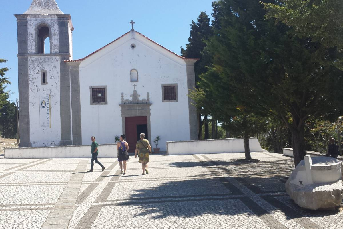 Lisbon on Wheels Half-Day Arrábida Tour w/ Transfers
