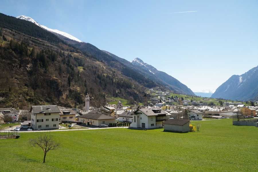SwissTravelGuide Glacier Express Panoramic Train Round Trip in one Day Private Tour