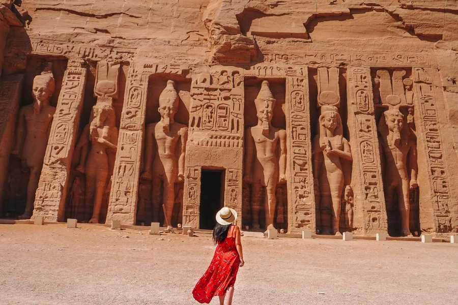 Journey To Egypt Abu Simbel Tour von Assuan