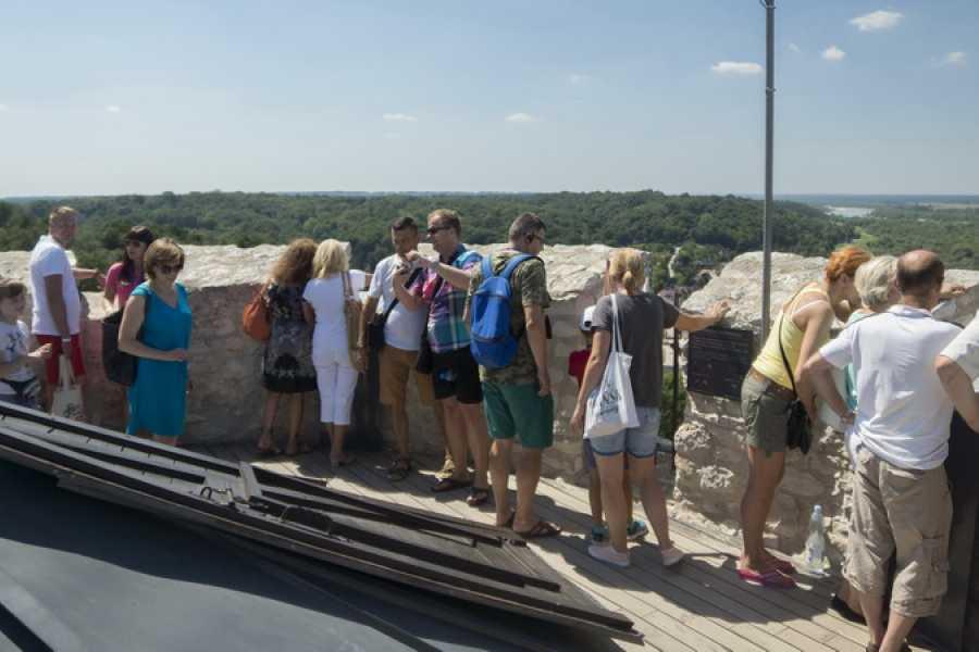 One Day Tour KAZIMIERZ DOLNY – THE POLISH MONTMARTRE