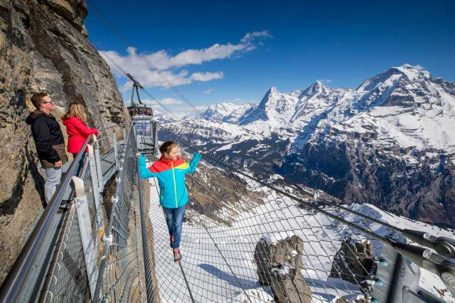 SwissTravelGuide Schilthorn Piz Gloria (James Bond Film Location)