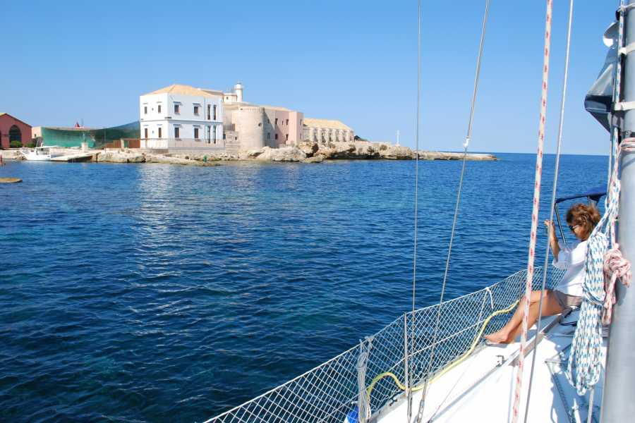 Travel Taste Sicily by Egatour Viaggi Combined Tour: Sail Boat & Self Drive Tour
