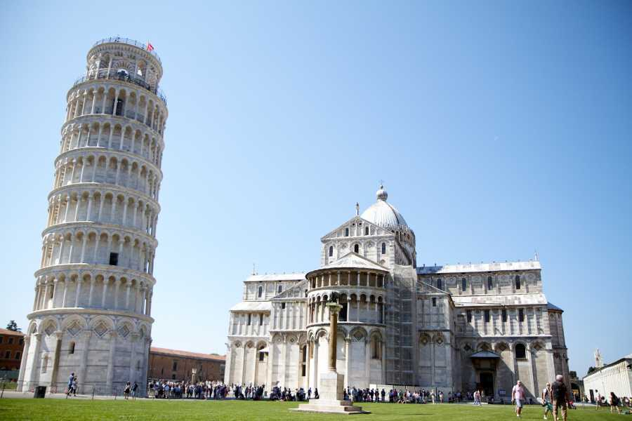 ACCORD Italy Smart Tours & Experiences TUSCANY IN A DAY - PISA, SIENA E SAN GIMIGNANO CON IL BUS