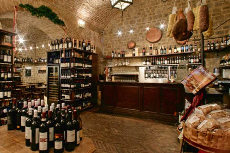 ACCORD Italy Smart Tours & Experiences ENOGASTRONOMIC GRAN TOUR - MONTALCINO, PIENZA & MONTEPULCIANO BY BUS