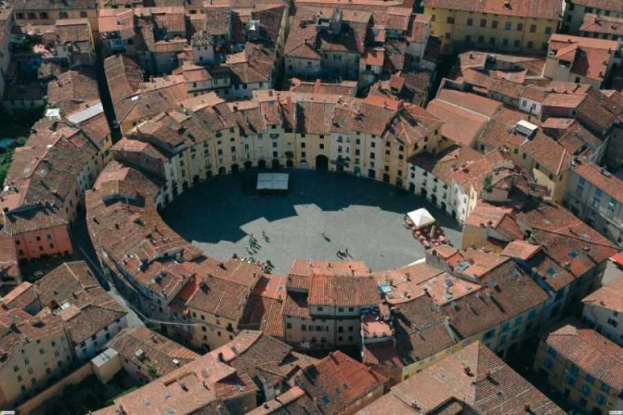 ACCORD Italy Smart Tours & Experiences LUCCA - TOUR PRIVATO in minivan