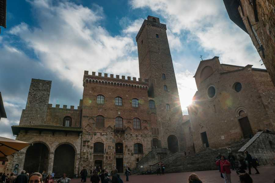 ACCORD Italy Smart Tours & Experiences PARTENZA DA LIVORNO – TOUR DI SIENA & SAN GIMIGNANO - TOUR PRIVATO