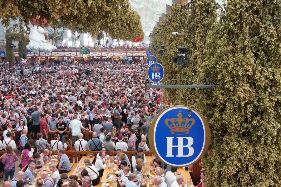 Bus2Alps AG Rome 2 Hostel Oktoberfest