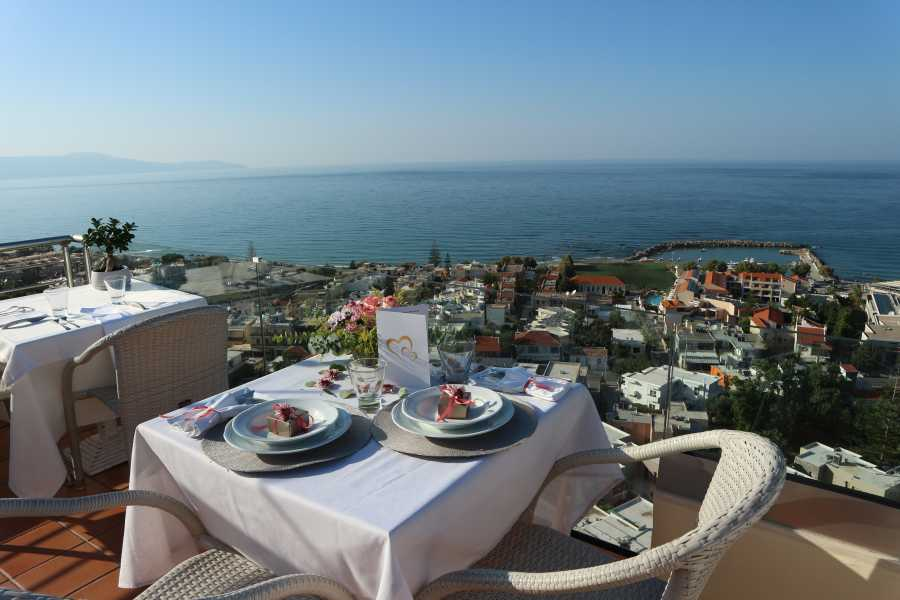 Destination Platanias Evening for 2 - Simple - 39 EUR