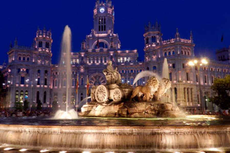Urban Safari Tours Tuk Tuk: Tour Madrid by Night