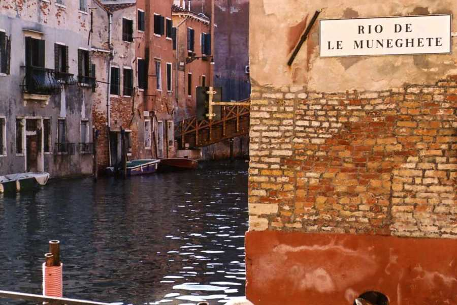 Venice Tours srl Venetian Waterways by Gondola.e