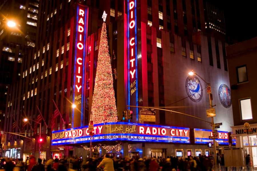 Dream Vacation Tours NYC Christmas & Shopping 2018