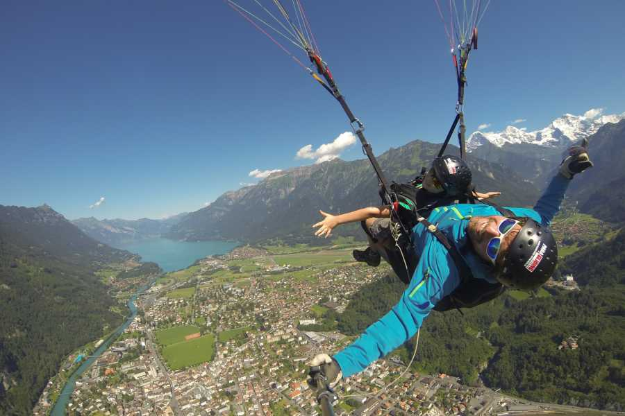Paragliding Interlaken GmbH Heidi's Flight  Полет с Хайди