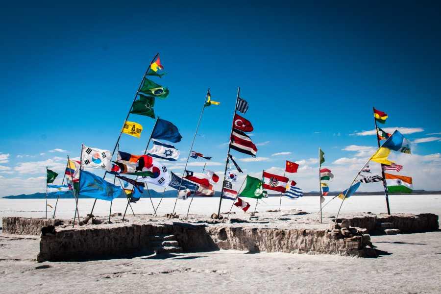 Late Bolivia Salar de Uyuni y Volcán Tunupa Full Day