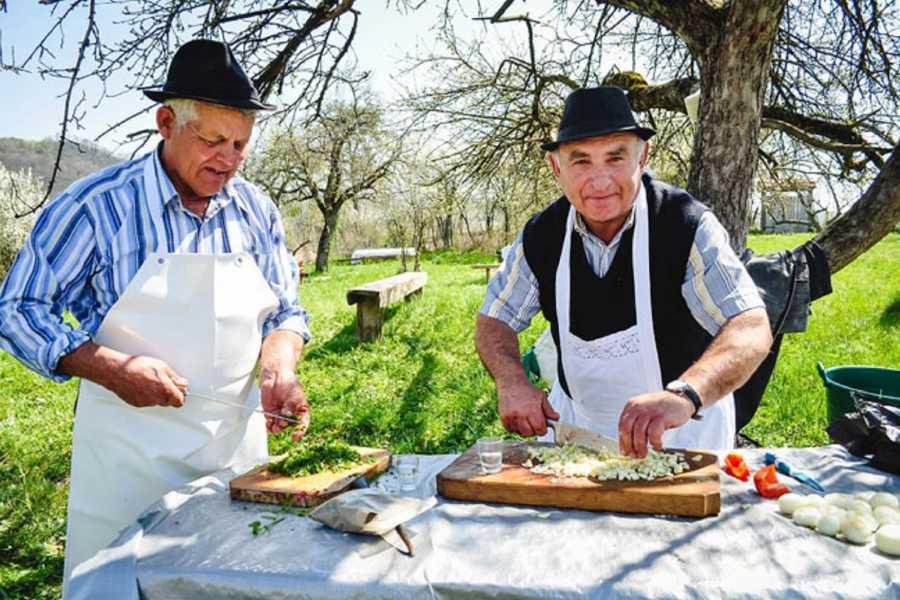 Carpathian Travel Center Gastronomical Walking tour of Sighisoara