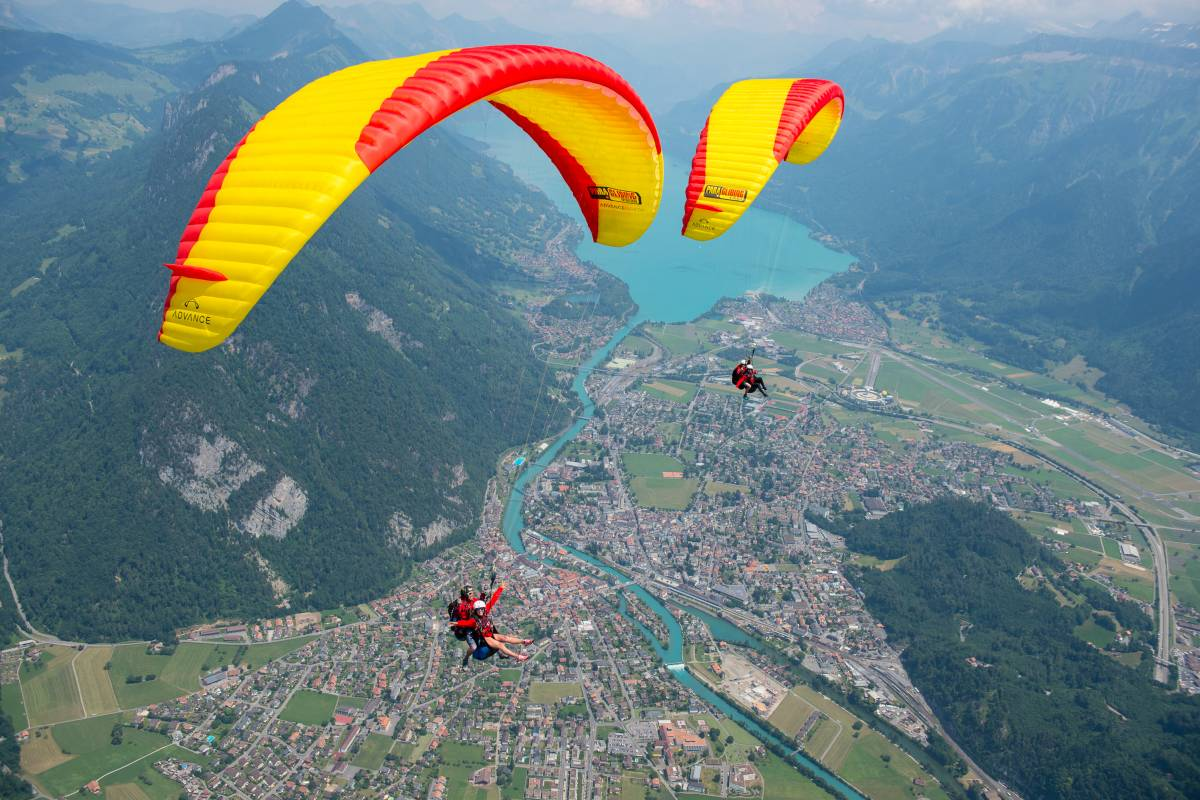 Paragliding Interlaken GmbH Wake and Fly