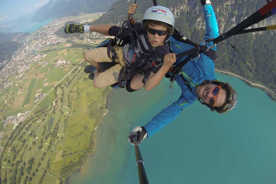 Paragliding Interlaken GmbH Lake and Fly 湖泊与飞行