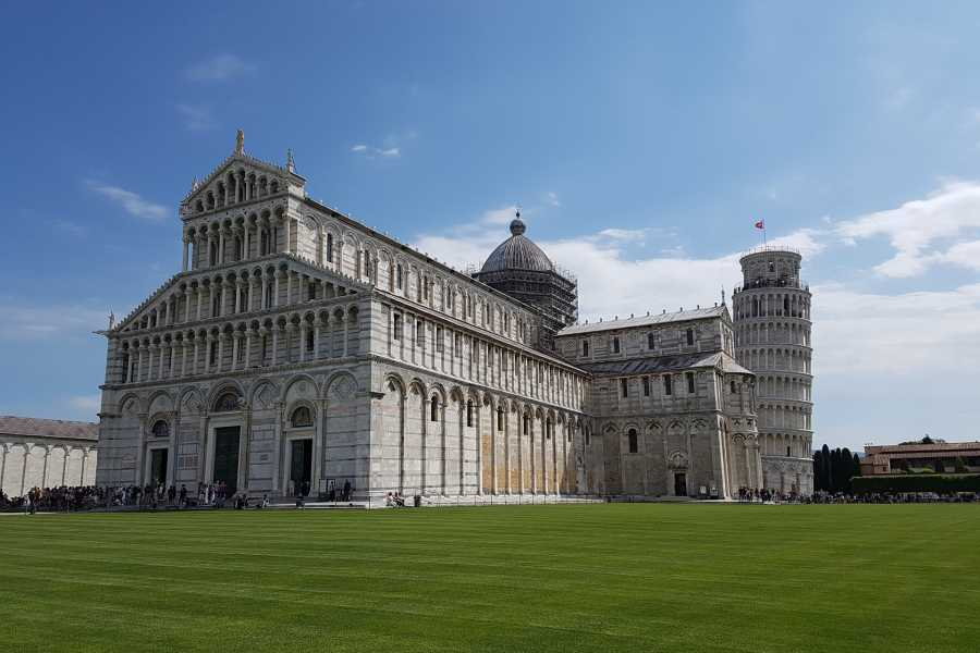 ACCORD Italy Smart Tours & Experiences VISIT PISA AND MIRACLES SQUARE
