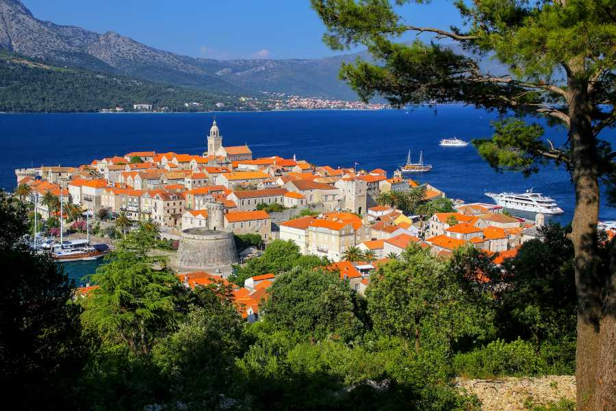 Nature Trips Croatia Cruise and Land Tour from Dubrovnik to Zagreb