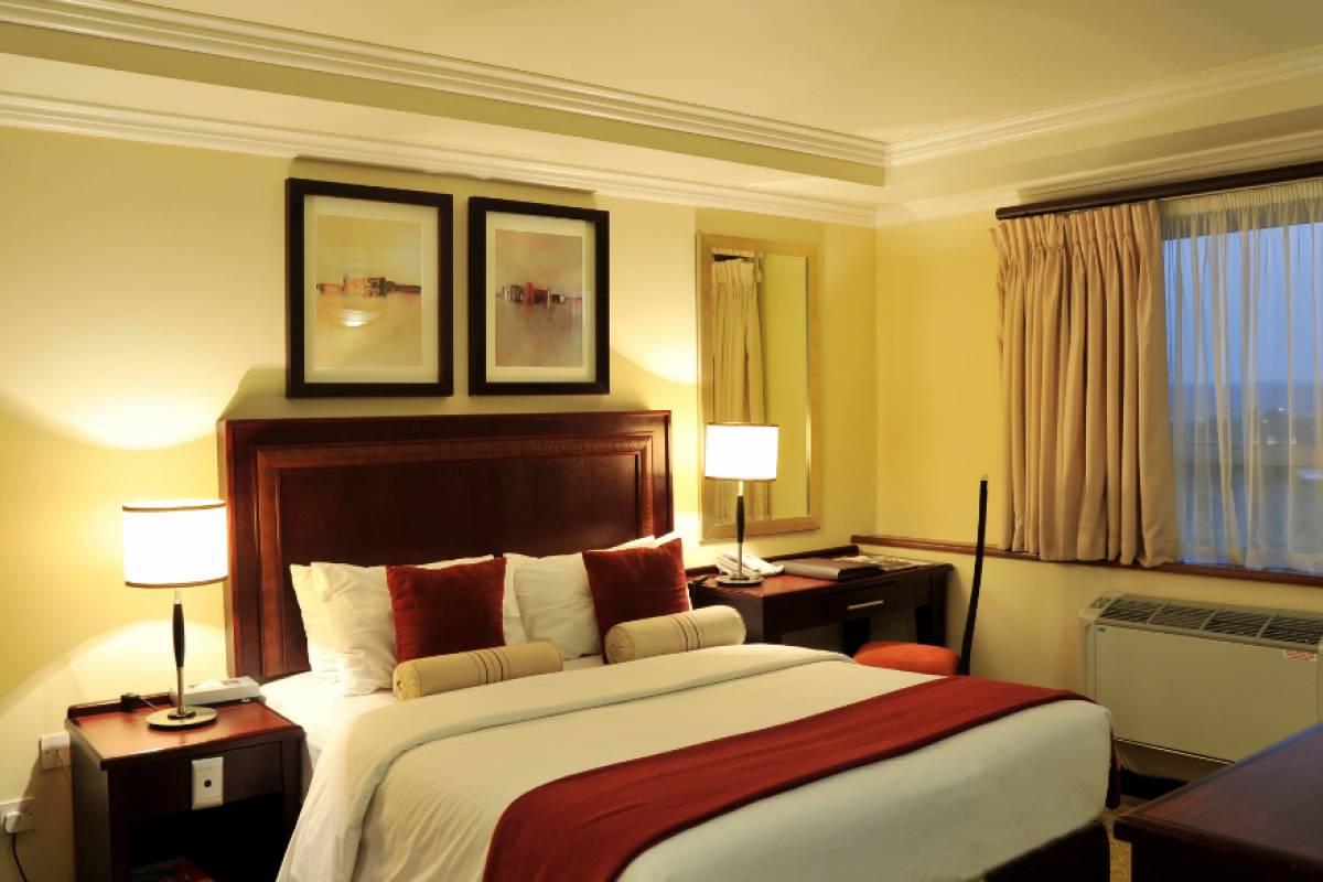 e-Tourism t/a SimplyTravel Cresta President Hotel