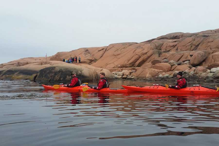 Outdoor West Sea kayak tour: FISHERMEN AND FRIENDS