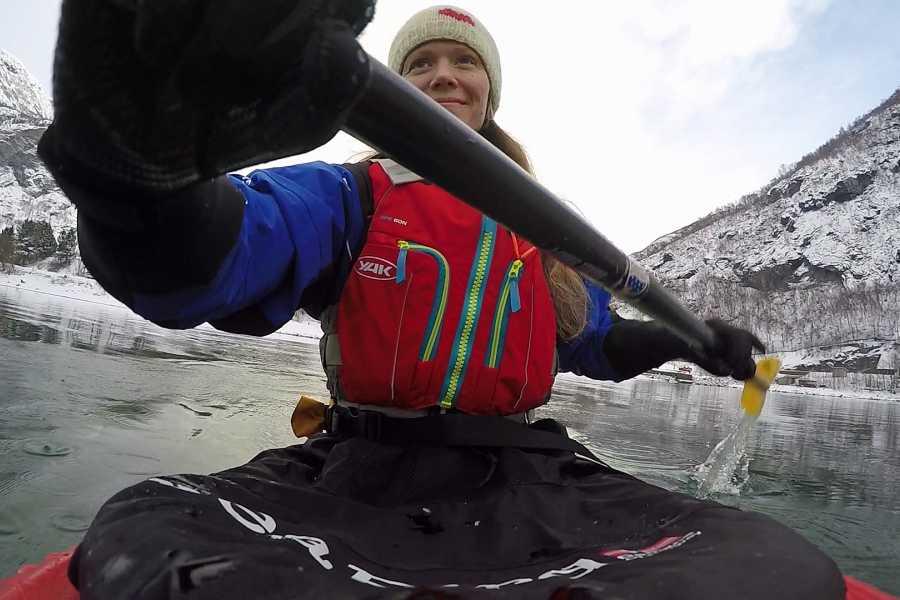 Bulder & Brak Opplevingar AS Guided kayak trip in the winter