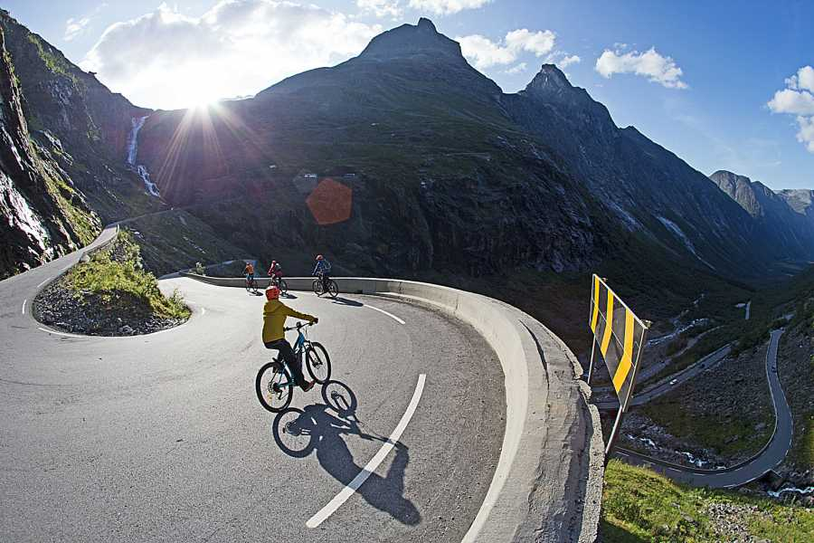 Hotel Aak Trollstigen - Electric bike tour