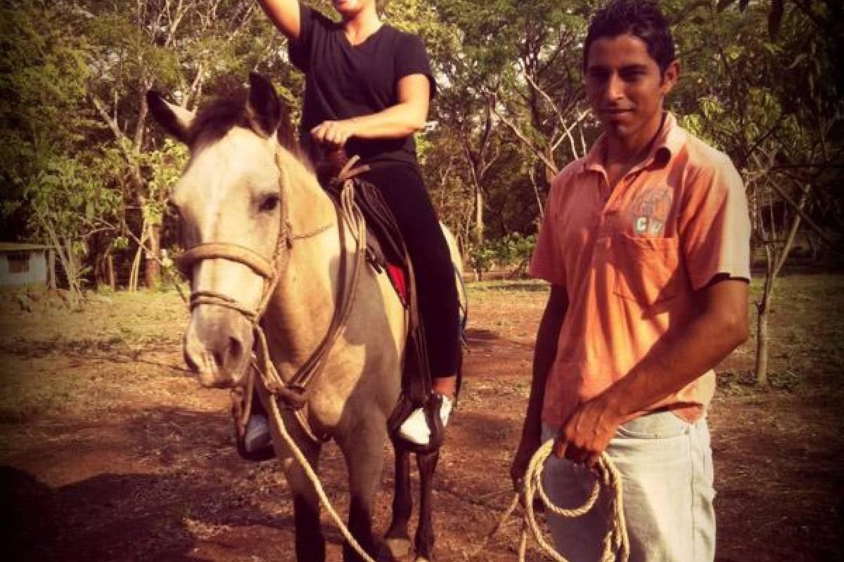 Black stallion ranch Ride & Gourmet BBQ combo