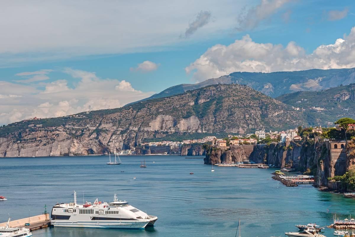 Travel etc Transfer from Amalfi to Massa Lubrense and Viceversa
