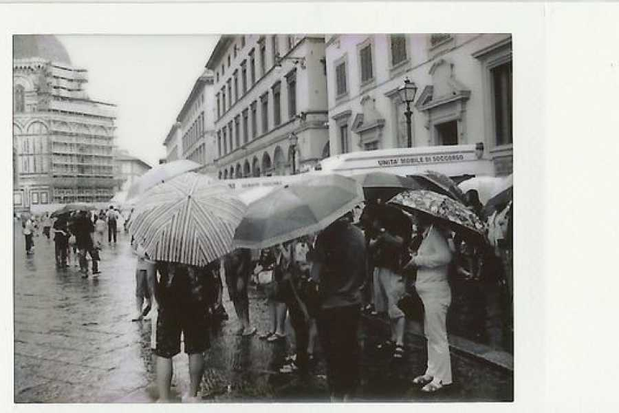 ACCORD Italy Smart Tours & Experiences FIRENZE - Vintage Foto Tour con Polaroid