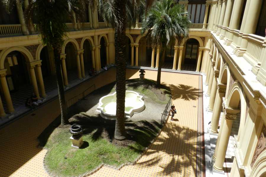 www.buenosairestouring.com CITY TOURS