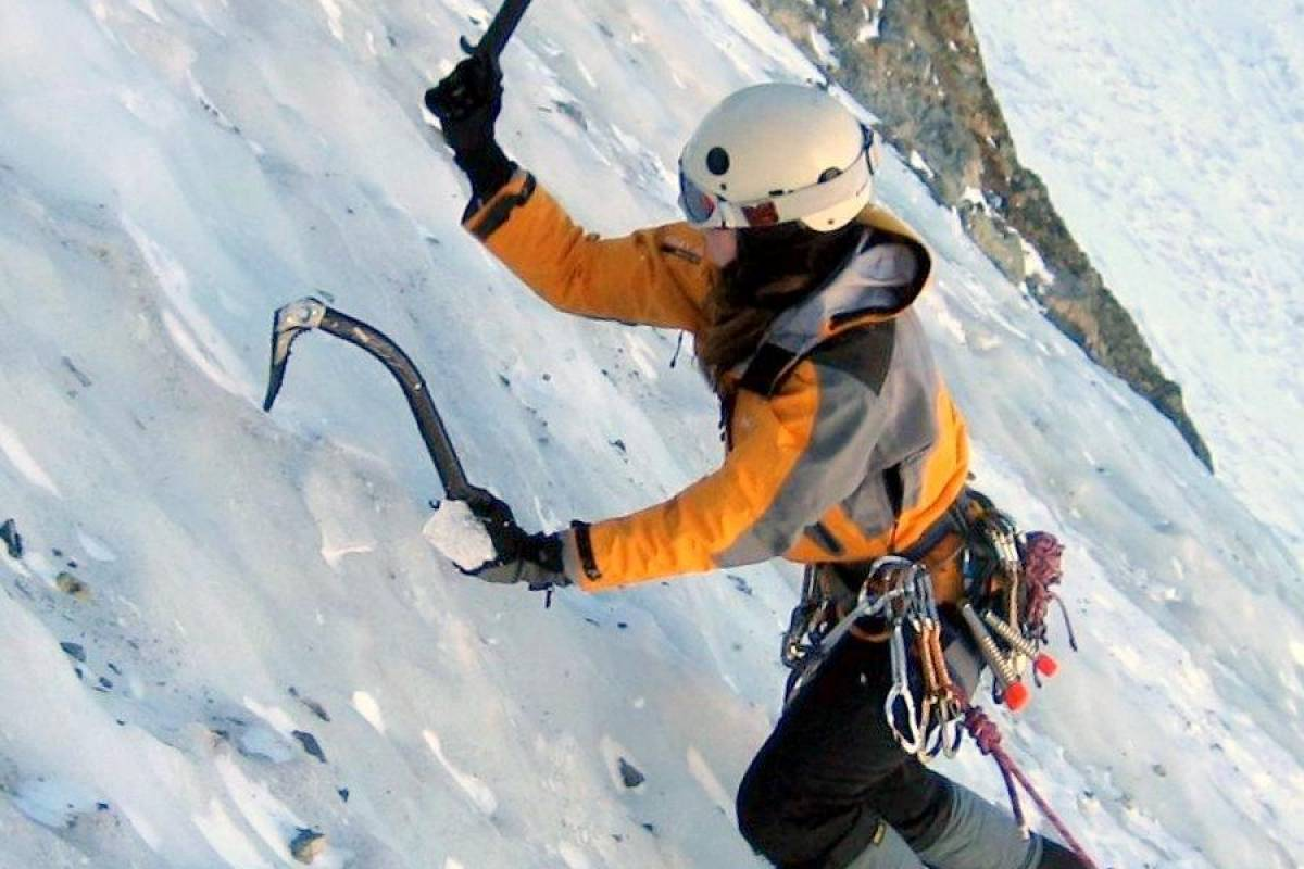 Andermatt Adventure - Crown of Alps AG Eiskletterkurse