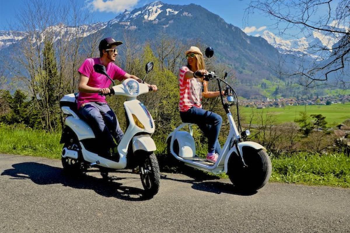 Swiss Paragliding & Adventure GmbH E-Vespino Interlaken / Beatushöhle Tour