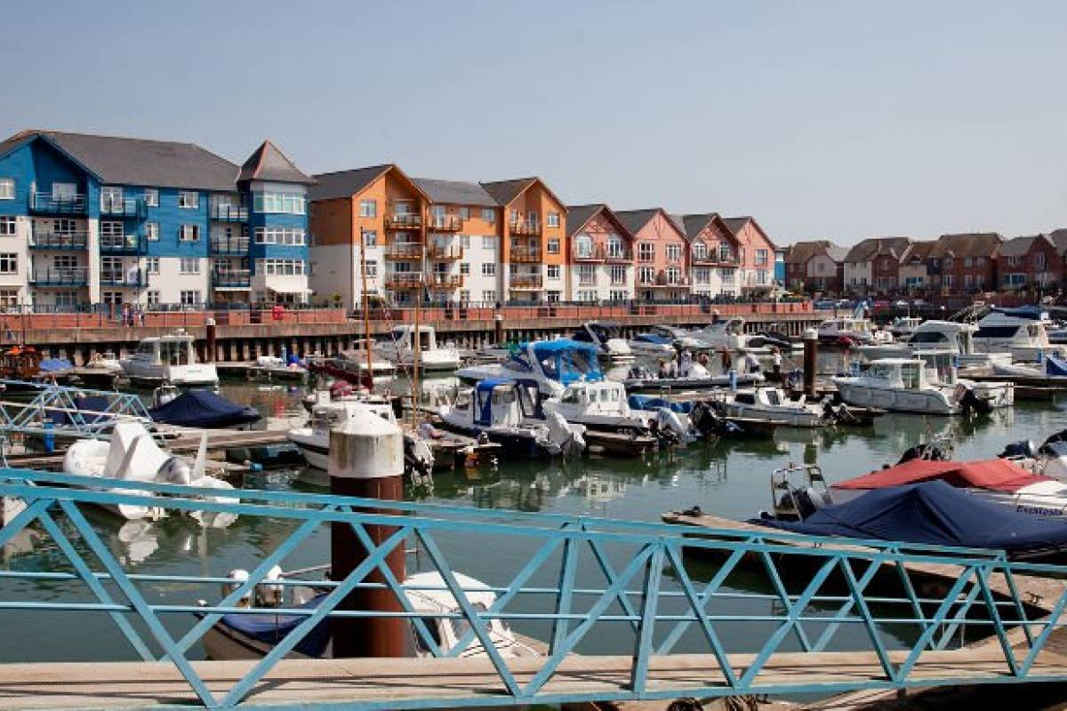 Oates Travel St Ives EXMOUTH DAY TRIPPER, MONDAY 28TH MAY