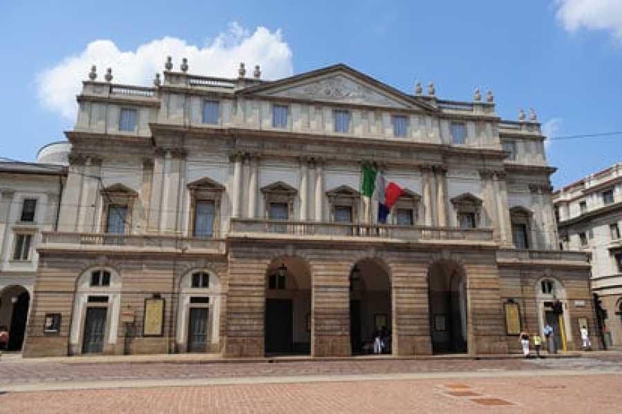ACCORD Italy Smart Tours & Experiences WALKING TOUR IN MILAN - PRIVATE TOUR