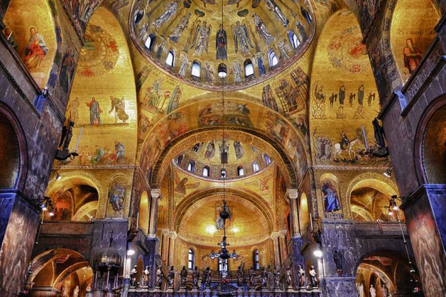 ACCORD Italy Smart Tours & Experiences ST MARK'S BASILICA AND DOGE'S PALACE - PRIVATE TOUR