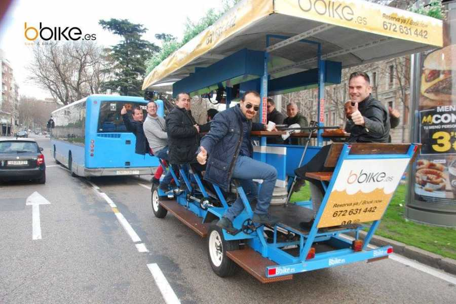 Urban Safari Tours CRAZY PACK: Beer Bike + 1Litro + Desfile Bici-Taxis + Gymcana + Chupitos
