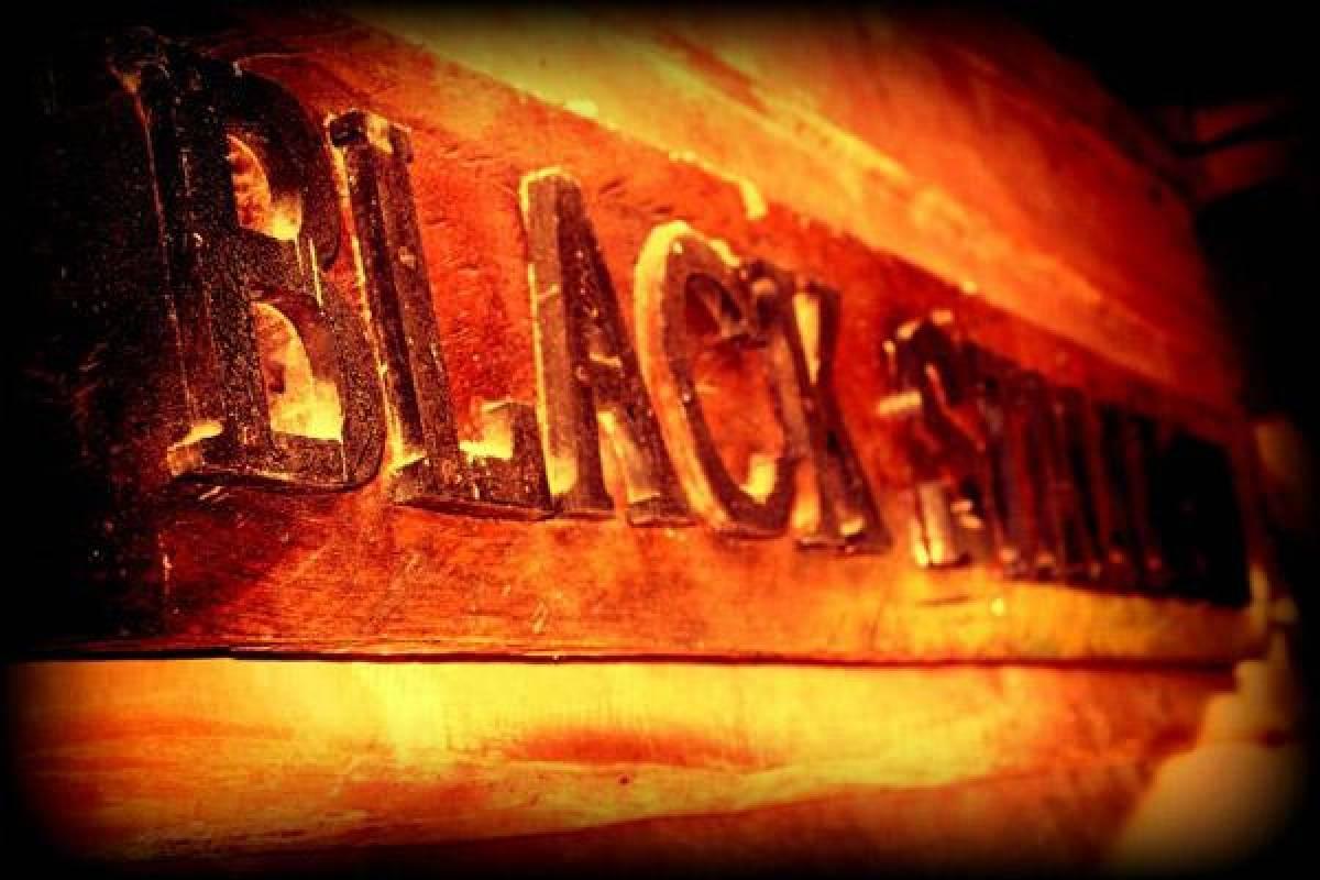 Black stallion ranch Seafood BBQ Buffet