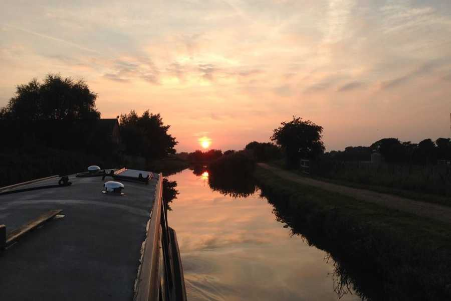 Lancashire Canal Cruises Tapas & Sangria OR Wine & Cheese Cruise