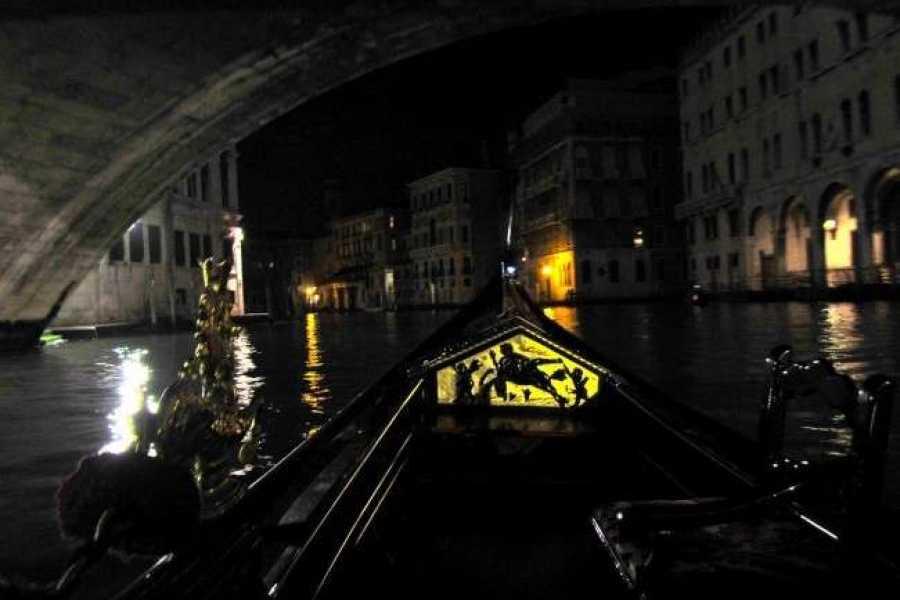Venice Tours srl Mágica góndola por la noche