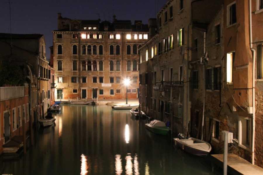 Venice Tours srl La tua gondola sotto le stelle