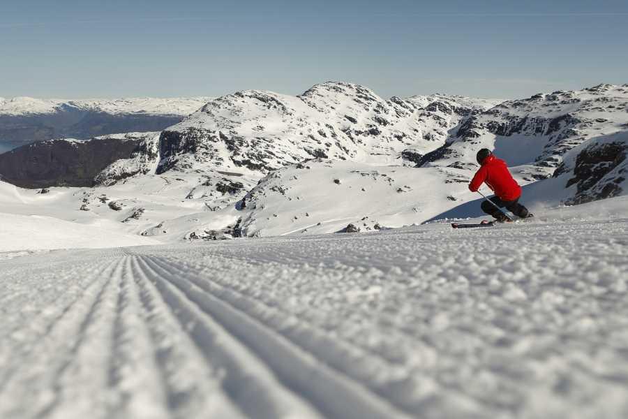 Juklafjord -Jondal Tourist Information FONNA Glacier Ski resort