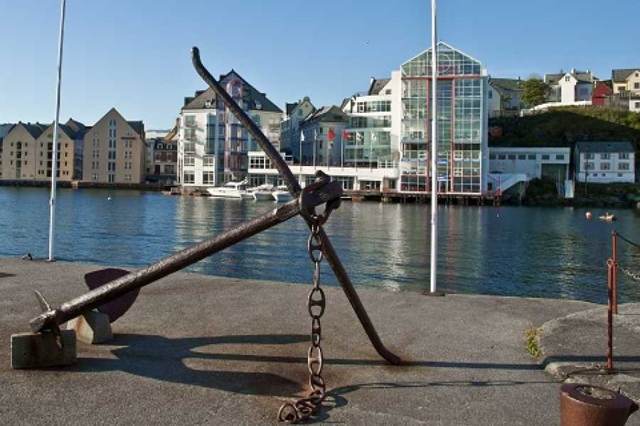 Norway Excursions Alesund Private - The Art Nouveau city walk