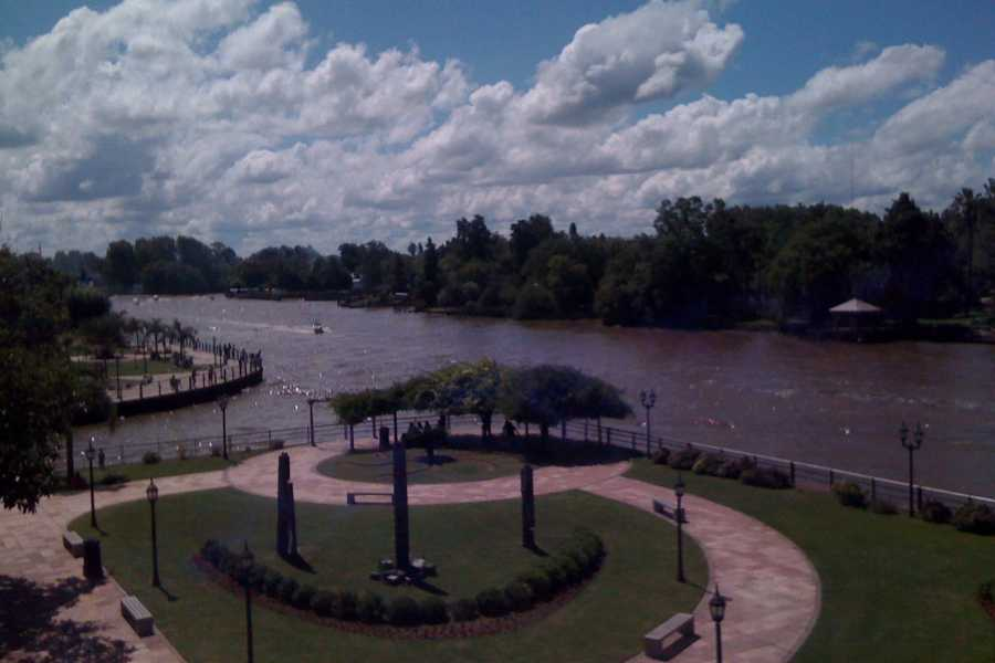 www.buenosairestouring.com SHARED TOUR OF TIGRE AND THE DELTA