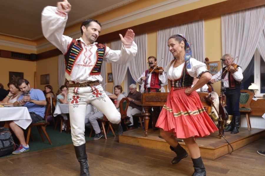 Turistico s.r.o. Folklore dinner with show and nolimit drinks