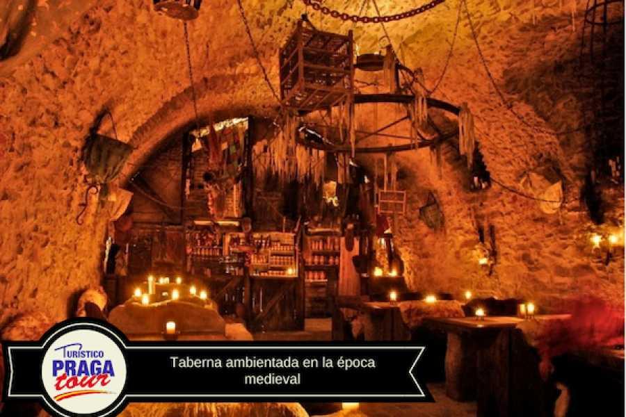 Turistico s.r.o. Cena y espectáculo medieval en Praga